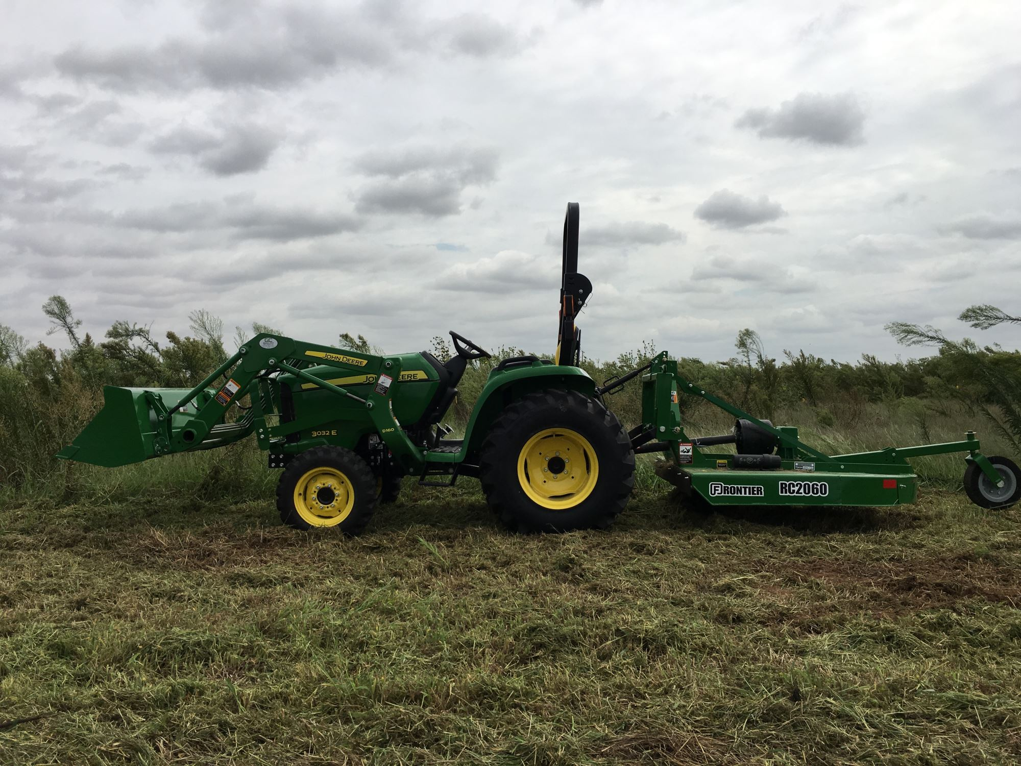 New 3032E Tractor & Loader: 3 Series Compact Utility Tractors